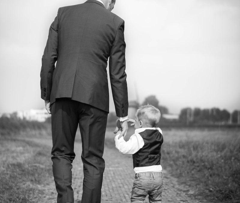 Antreprenor online sau părinte full time?