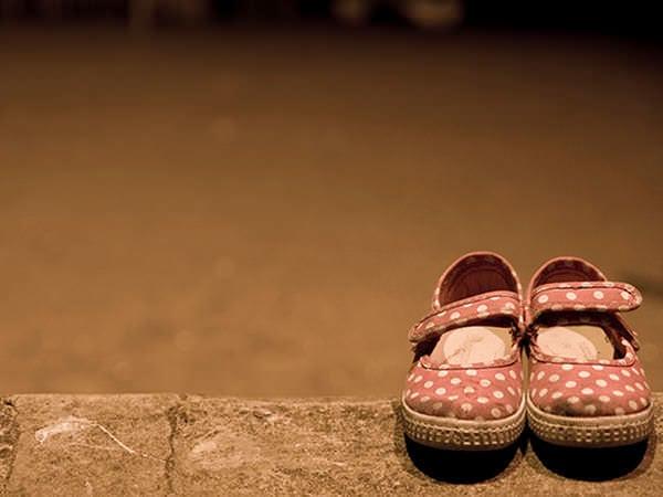 Reduceri mari, la sandale măsuri mici