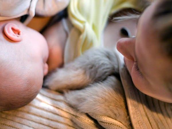 Săptămâna Mondiala a Alăptării și 10 beneficii ale laptelui de mamă