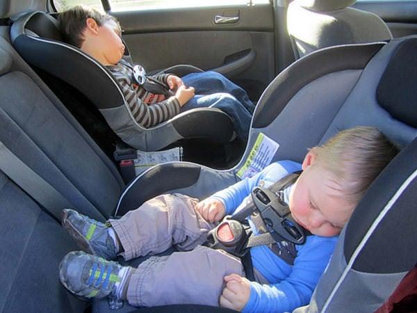 Greșeli frecvente la instalarea scaunului auto