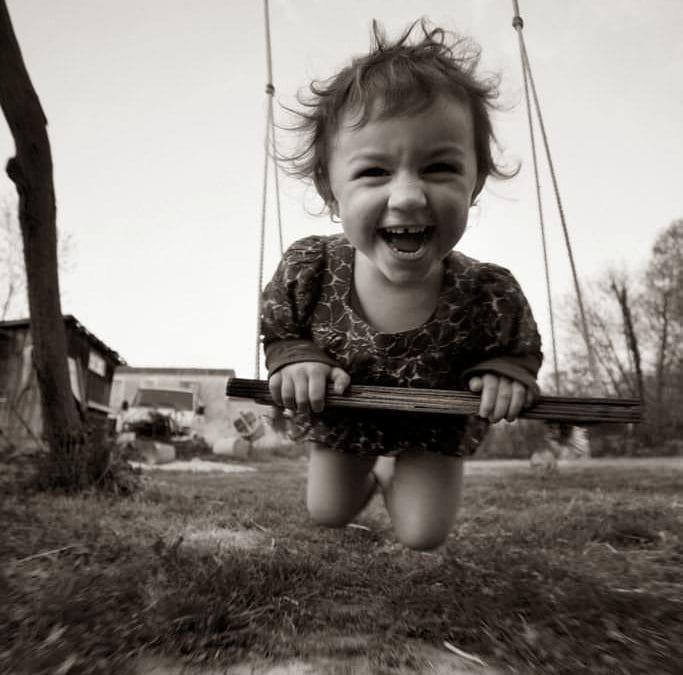 Frumusețea și simplitatea copilăriei, în fotografii