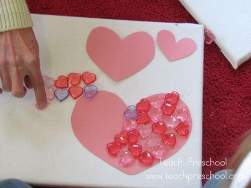 Cum învață copiii să numere, cu un joc cu inimioare