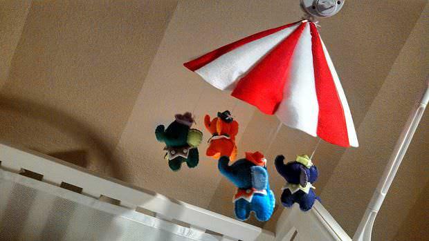 DIY: jucării pentru bebeluși