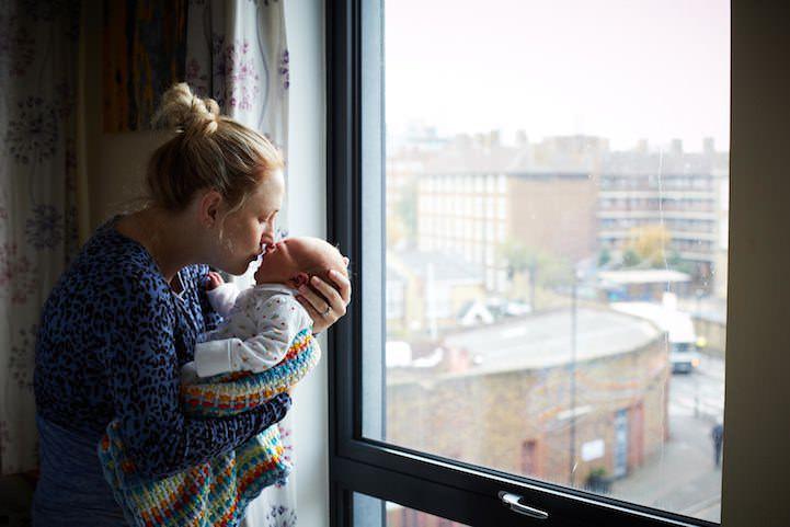 """""""One Day Young"""" reloaded. Noi fotografii cu bebeluși de o zi"""