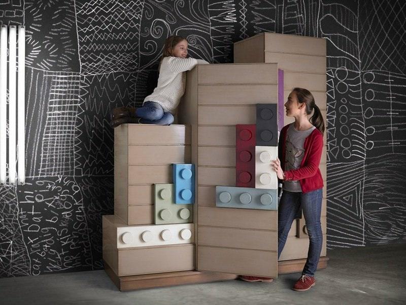 Piese de mobilier sau de LEGO? Amândouă
