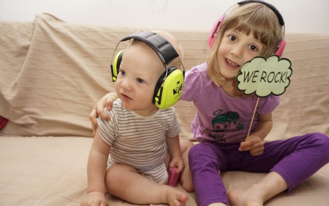 Mergi la concerte & festivaluri? Nu uita de căștile antifonice pentru cei mici!