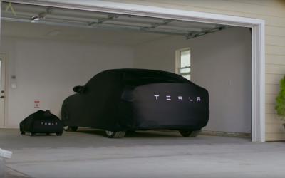 Tesla pentru copii – un Tesla Model S în miniatură