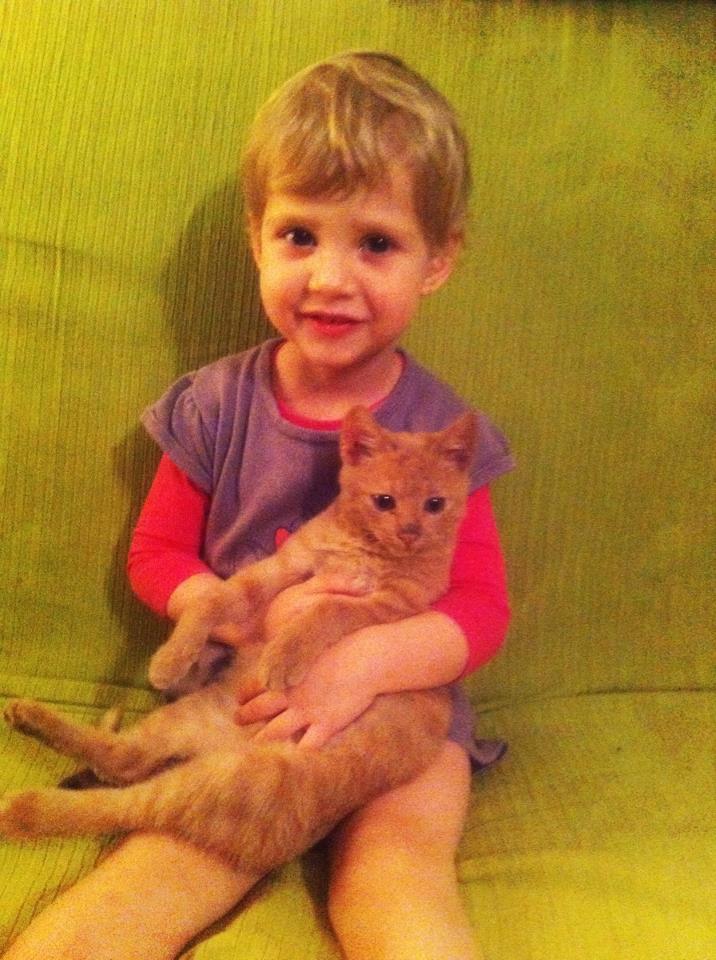 Ioana și pisica ei care a murit acum 3 ani