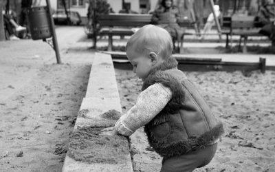 Cum să respecți autonomia copilului tău în timp ce rămâi părintele lui