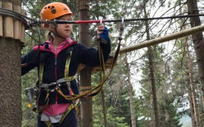 Cum își înving copiii fricile după o zi petrecută într-un parc de aventură